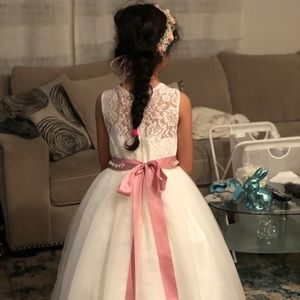 Dresses - Flower girl  dress 👧🏻 🌺💝